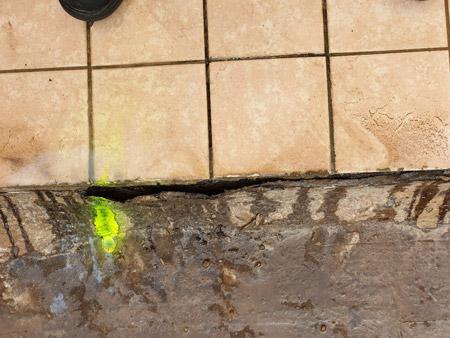 Localizzazione infiltrazione d'acqua e verifica impermeabilizzazione guaina su terrazzo pensile Condominiale, con l'utilizzo di Gas Idro/Azoto (Veduta con Zoom)